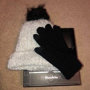 Buckle Hat and Glove Set NWT